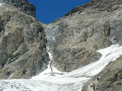 """""""Thirty rope parties of Alpine soldiers on the Matterhorn's top"""