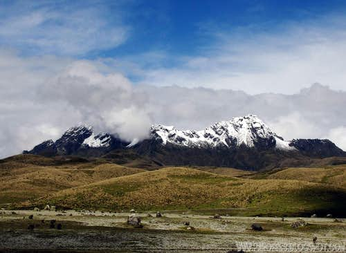 Unusual sight: Rumiñahui snow capped!