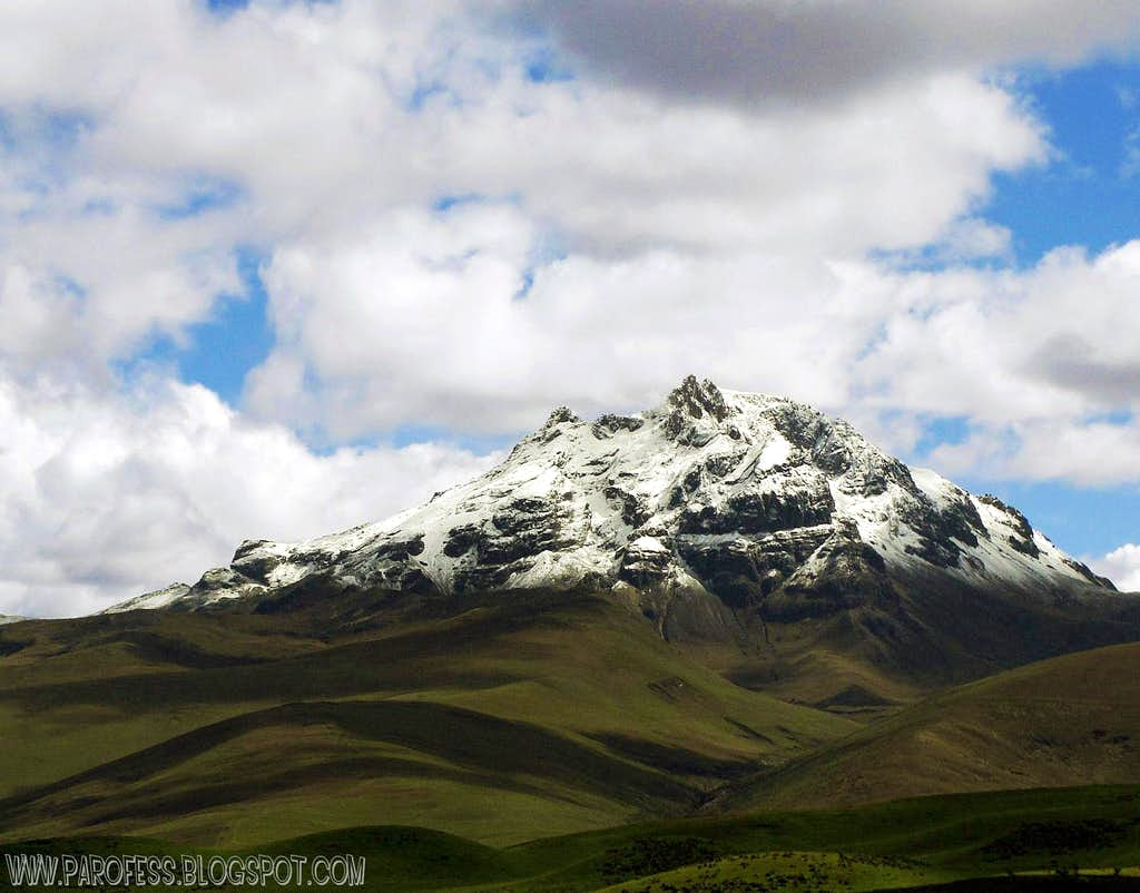 Another unusual sight: Sincholagua snow capped