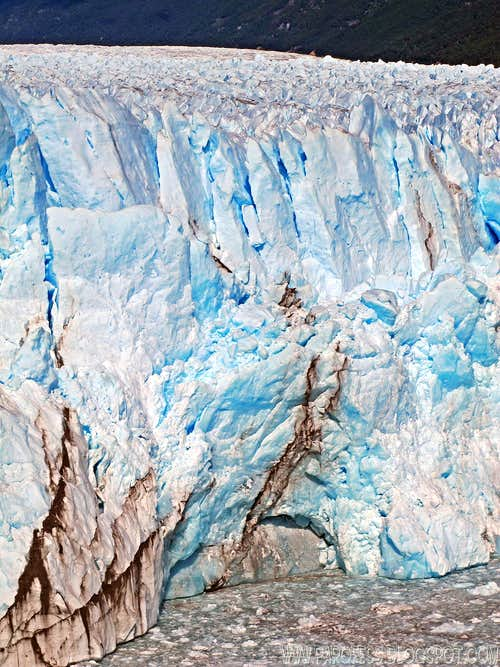 70m tall wall of ice