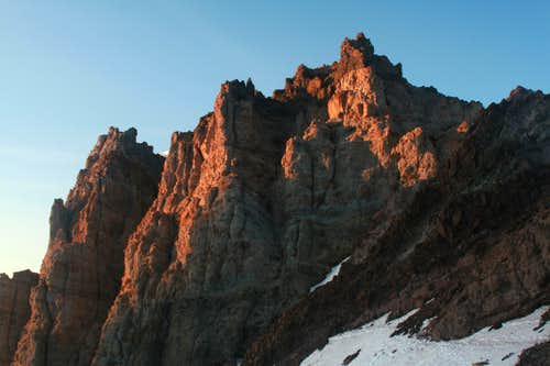 Towers above Schruamn