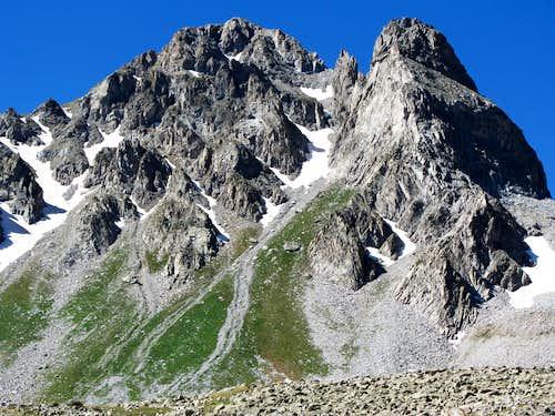 Rugged Peak southwest of Capitol Creek Trail