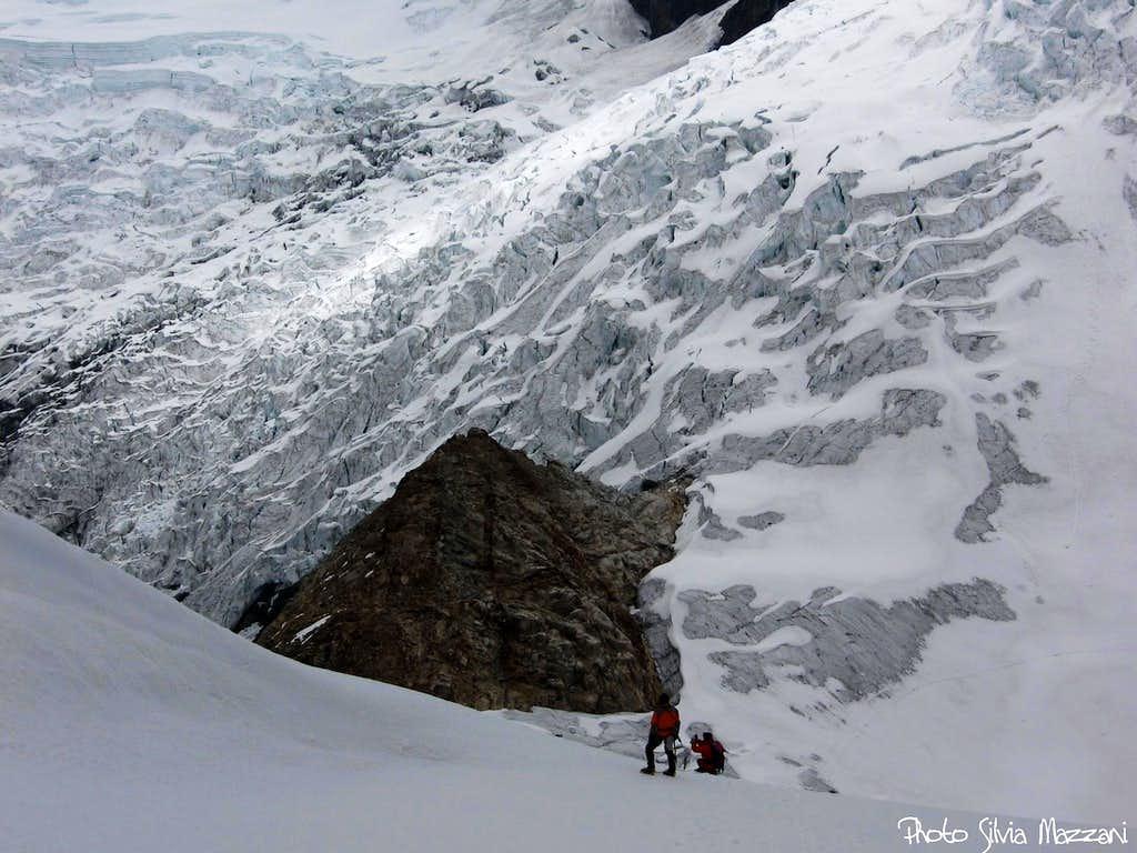 A glacier on the way to Nevado Maparaju