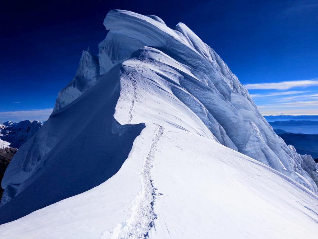 Chopicalqui summit