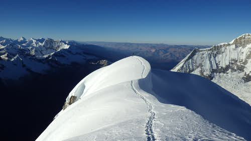Summit Ridge on Chopicalqui