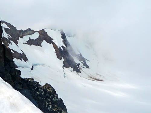 Nohokomeen Glacier covered in Clouds