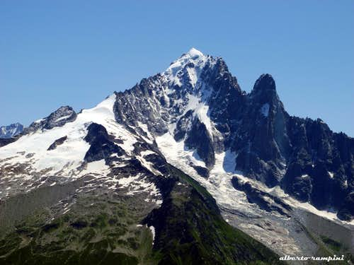 Aiguille Verte and Petit Dru seen from Aiguilles Rouges