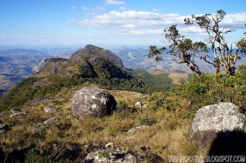 Serra do Papagaio traverse