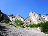 Great walls above Ramet Gorges