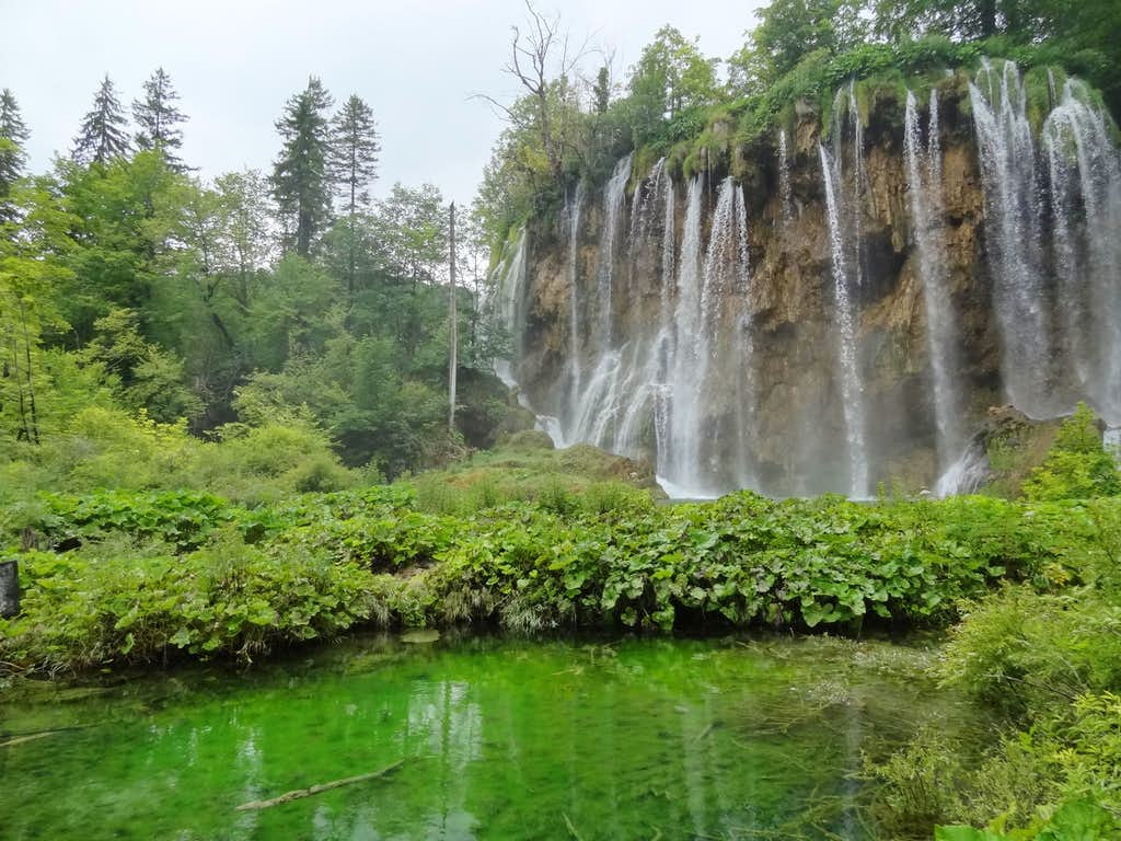Waterfall to Gradinsko lake