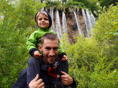 Mikolaj and me under the Waterfall to Gradinsko lake