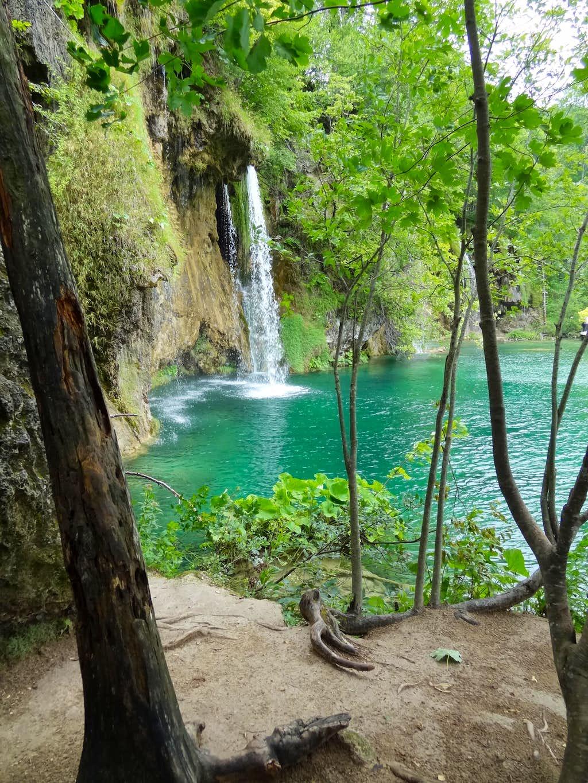 Teh famous waterfall serie under Gradinsko lake