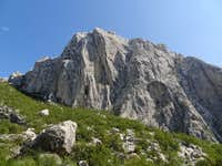 The tallest Paklenica cliffs appear in all their splendour during the descent