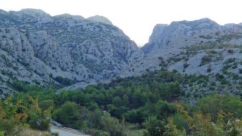 Mala Paklenica's mouth from the trailhead