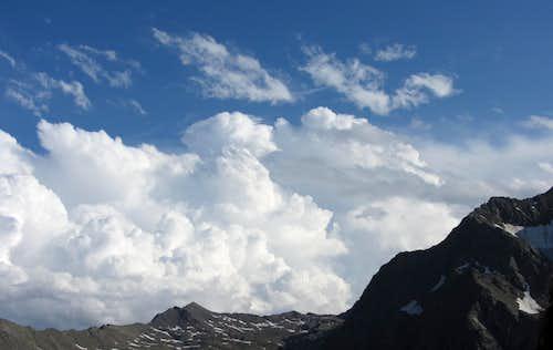 Threathening sky above the Ridnauntal