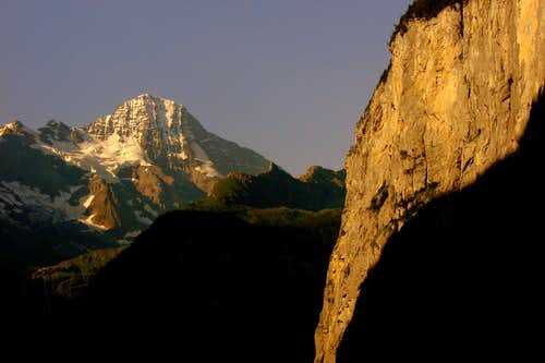 Breithorn and Mürrenflue in the first morning sunrays