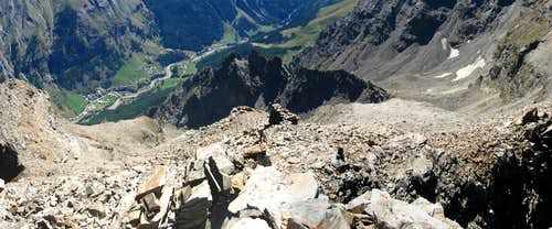 From the summit view to Degioz.