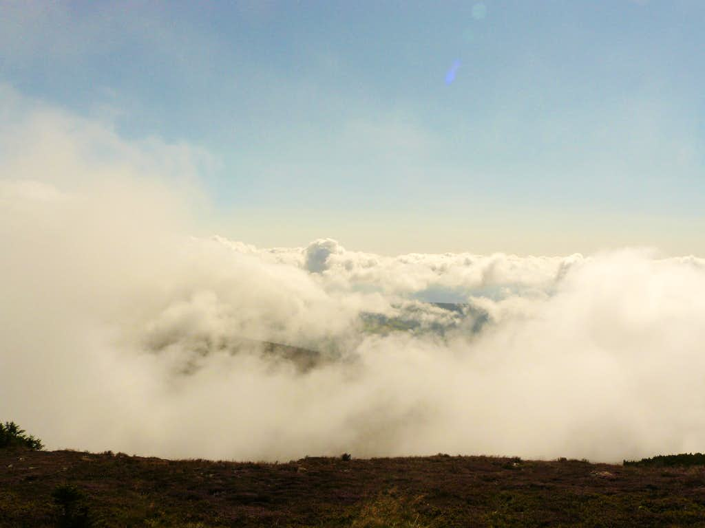 Sea of clouds on top of Śnieżka - a taste of high mountain !