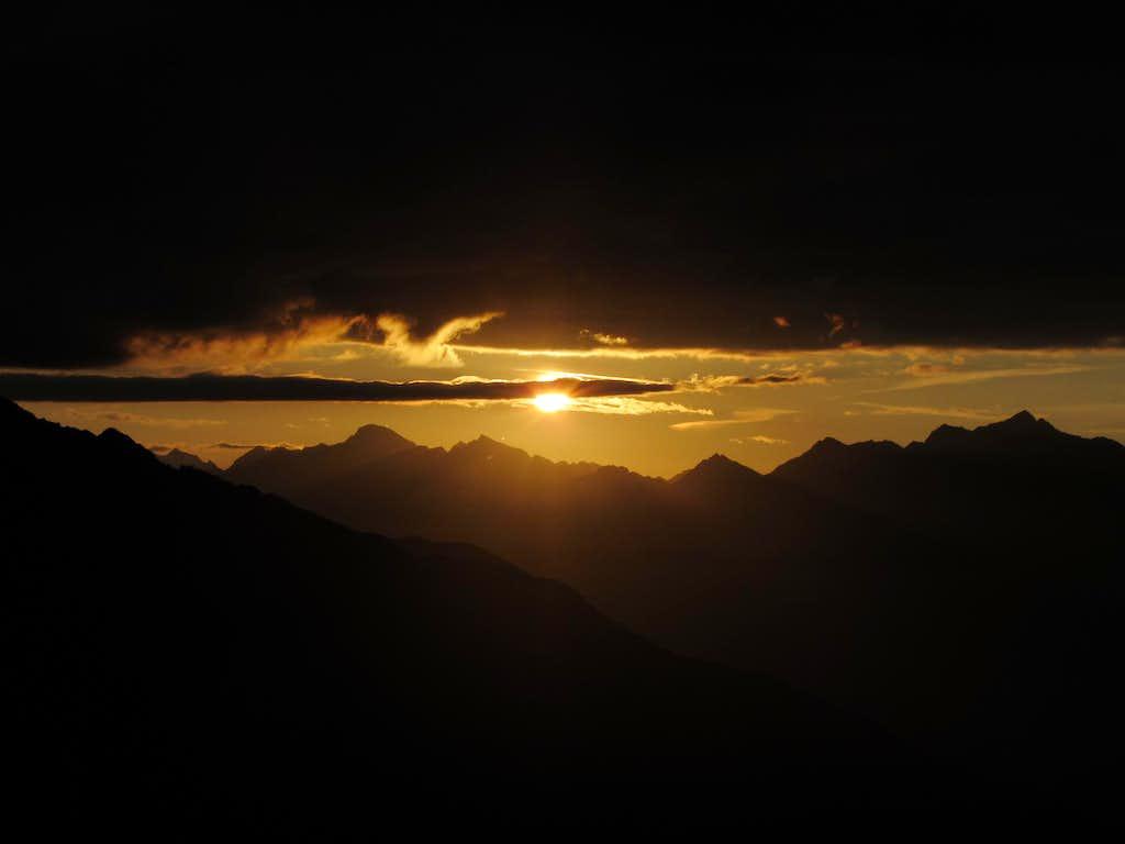 Superb sunrise Rieserferner Group