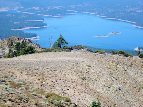 Stampede Reservoir seen from Ladybug Peak