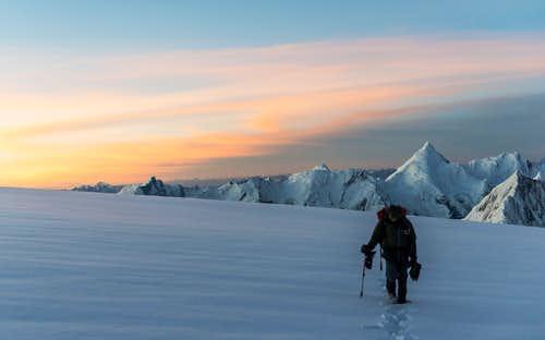 Dawn on the summit push