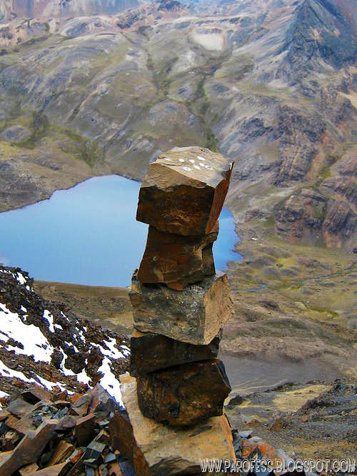 Ont of the two cairns of Austria summit
