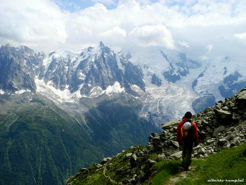 The return s path, facing Mont Blanc