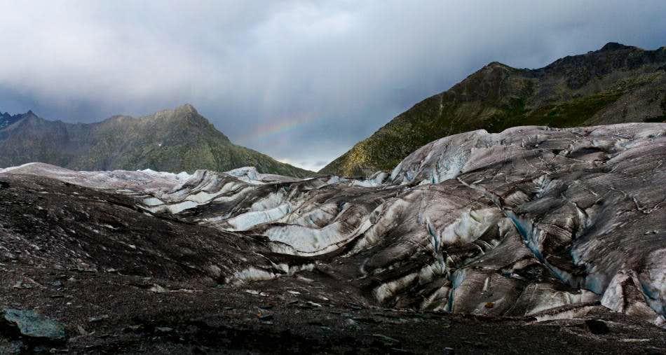 Black ice rainbow