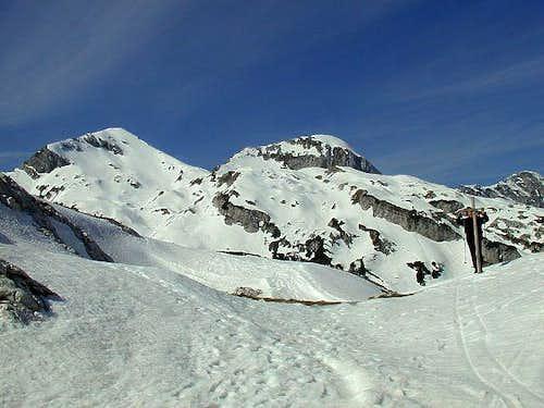 Monte Cornor, 2170m (left)...