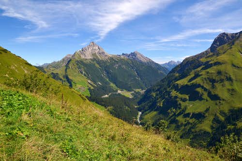 Standing high above the Lech river
