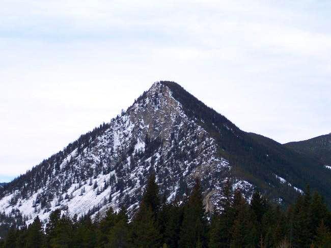 Black Pyramid Mountain : Climbing, Hiking & Mountaineering ...