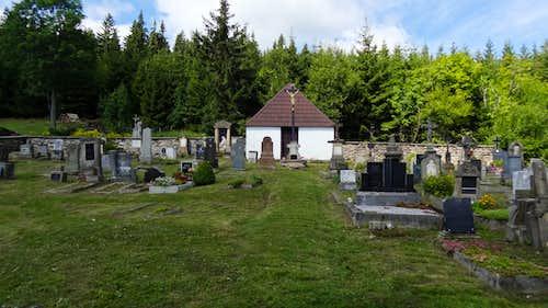 Malá Úpa church's cementary