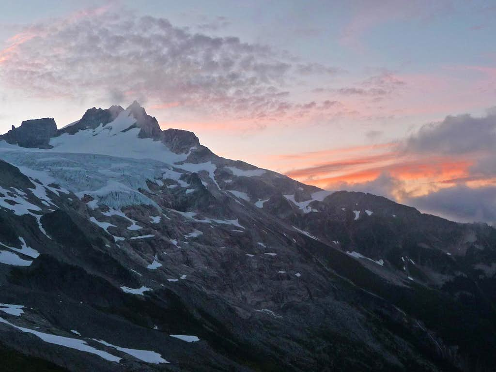Morning Sunrise on Dome Peak