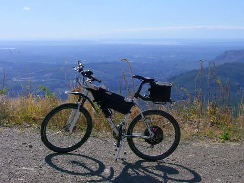 Electric bike  Git n er dun  on Olo Mountain