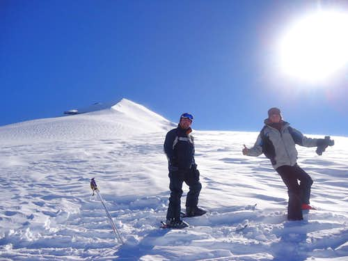 Dos aijaitos skiing on Volcán Lonquimay