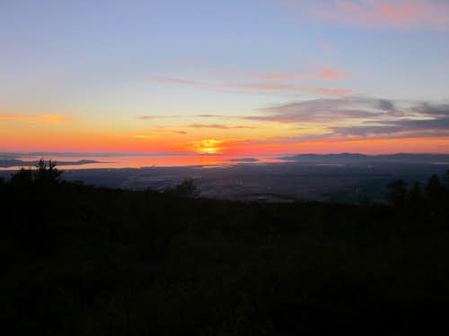 Great Salt Lake sunset from the Kays Creek trail at 6,000\'