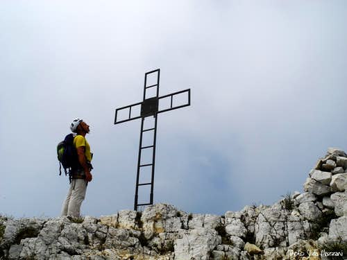 Looking at the summit cross