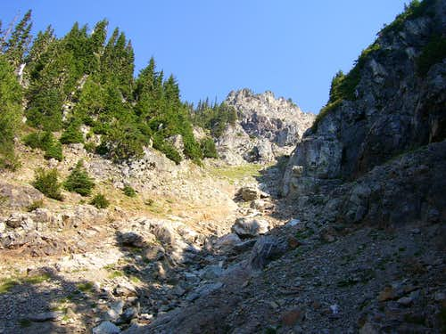 Looking up Sheep Mountain summit gully from 5200\'