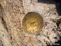 UN 12752 USGS summit marker