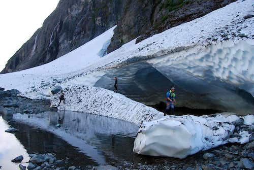 Mirren Lake Route: Ice bridge