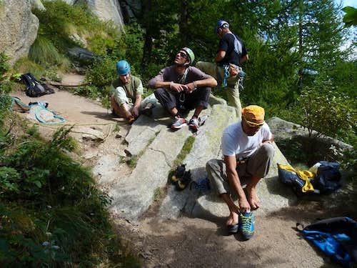 A climbers' group below Sergent