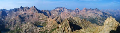 Jagged Mountain Summit Pano