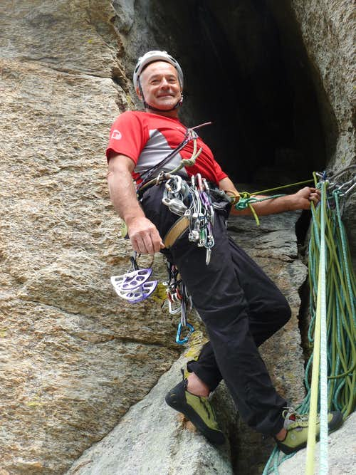 Torre di Aimonin, belay at the huge hole