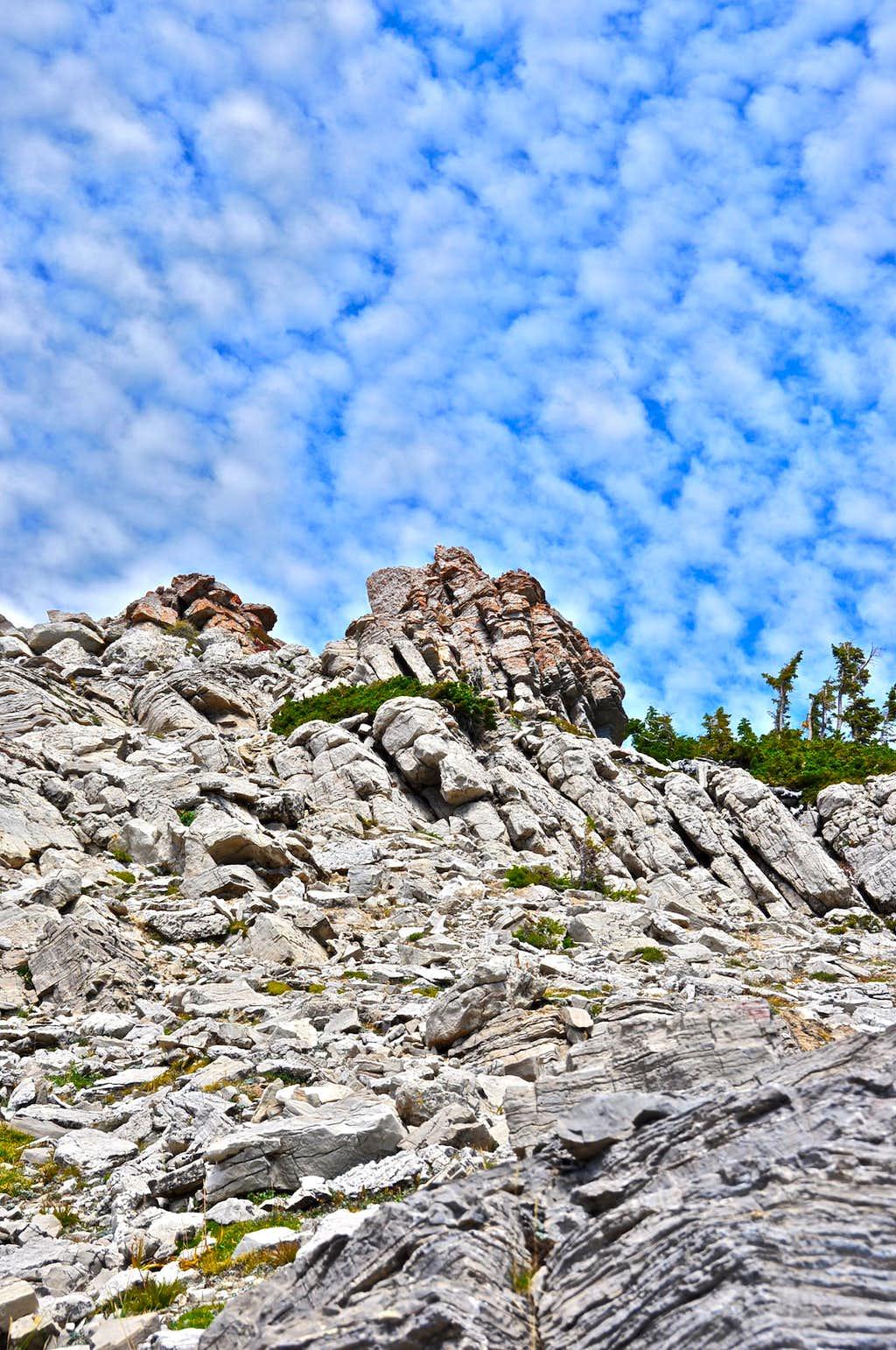 Rocks along Cirque Trail