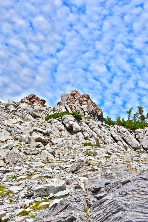 Rocks along Cirque Trail