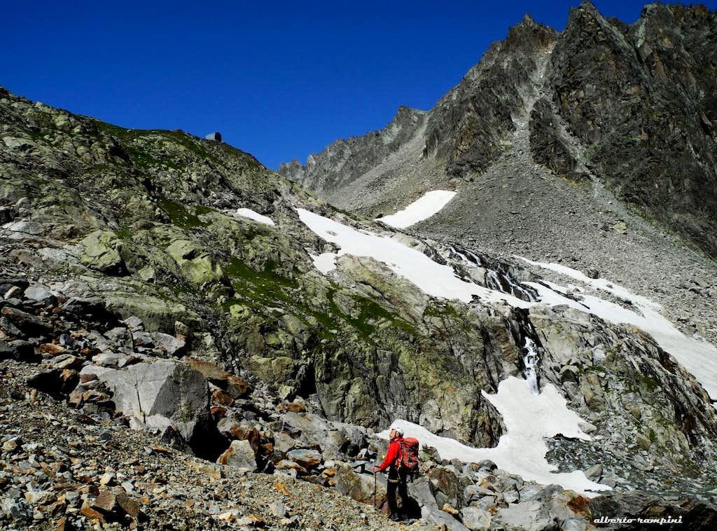 Vierge de l'Aroletta approach path and Spataro Bivouac