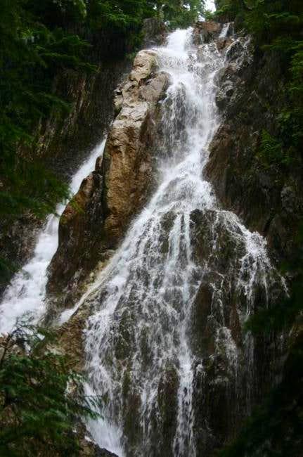Some beautiful falls found...