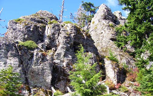 Cliffs near summit of Green Mountain