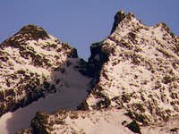 Three Fingers middle and south summits from Green Mountain middle summit (telephoto)