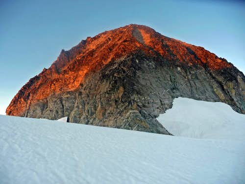 Klawatti Peak Alpenglow
